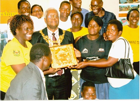 Harare Mayor Celebrates UNHabitat Award with Slum Dwellers